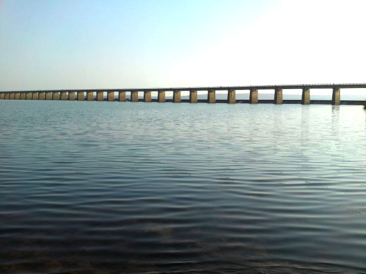 Naraj Dam river bank
